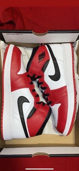 Jordan 1 mid Chicago mid 2020 for Sale in Miami, FL