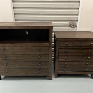 Wood Dresser & Nightstand Set for Sale in Los Angeles, CA