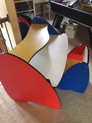 Kids desk for Sale in Frisco, TX