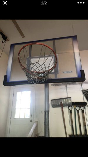 Basketball hoop - adjustable Lifetime 50 inch portable for Sale in Downers Grove, IL