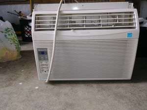 Big window air conditioning for Sale in Tacoma, WA