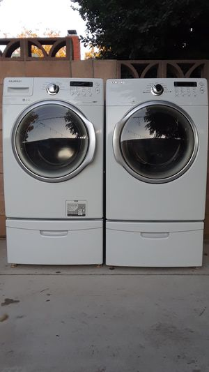 Front Load Samsung Washer And Dryer With Pedestals for Sale in Chino, CA