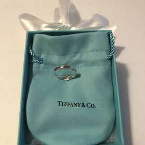 Authentic Tiffany & Co. Sterling silver kiss Ring for Sale in Queens, NY