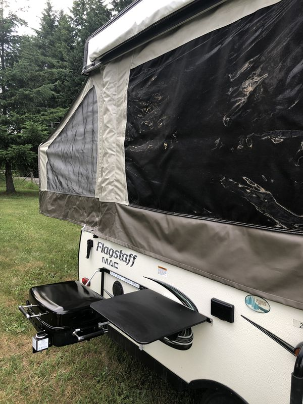 2016 flagstaff tent trailer - excellent condition!