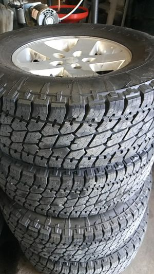 295.70.17 nitto g2 75% tread 5on5 jeep factories for Sale in Kingsport, TN