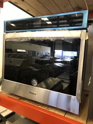 Whirlpool Stainless Steel 5.0 Cu. Ft. Smart Single Wall Oven with Touchscreen for Sale in Tampa, FL
