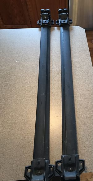 Jeep Patriot Roof Rack adjustable crossbars for Sale in Plainfield, IL