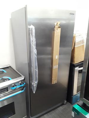 New frigidaire grey $799 for Sale in San Diego, CA