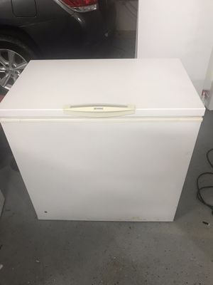 Kenmore freezer 7 cu.ft for Sale in Northbrook, IL
