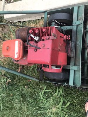 Best offer Briggs & Stratton Timmer mower 3hp for Sale in Fresno, CA