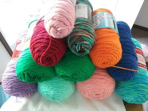 Yarn . 11 big skeins. All new except burgundy very very little used. Smoke and pet free. for Sale in Tacoma, WA