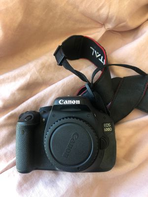 Canon 600d/rebel t3i DSLR camera body + charger with 2 batteries for Sale in Los Angeles, CA