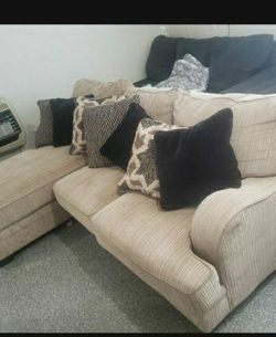 Sectional Sofa 2 Piece for Sale in San Angelo,  TX