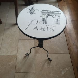 """16"""" Table With Iron Legs for Sale in Fallbrook, CA"""