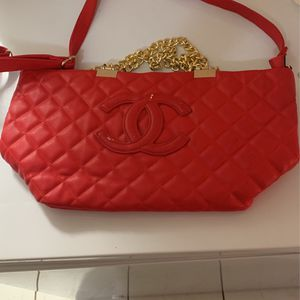 Chanel Bag for Sale in Pompano Beach, FL