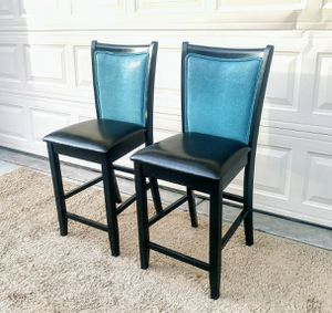 Nice set of 2 high chairs in great condition for Sale in Las Vegas, NV