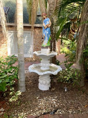 Large Concrete Fountain for Sale in Largo, FL