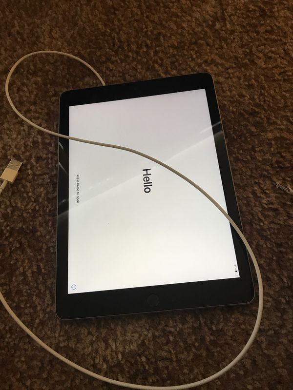 6th Gen. IPad w/ Charger
