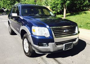 2006 Ford Explorer 4x4 Cold AC Drives Very Smooth for Sale in Hyattsville, MD
