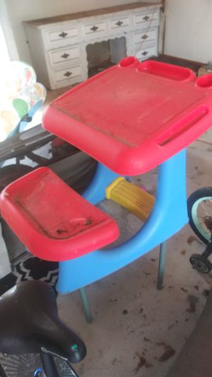 Kids plastic desk,, bike... for Sale in Hurst, TX