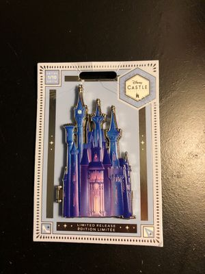 Disney's Limited addition Castle pin series 1/10 for Sale in Beaumont, CA