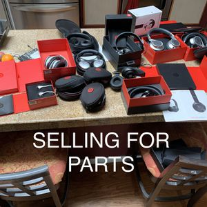 13 Various Headphones Selling For parts. 11 Are Beats (60 For All) for Sale in El Cajon, CA