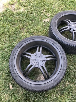 Rims 22 inch 6 x 114.3 bolt pattern for Sale in Blackwood, NJ