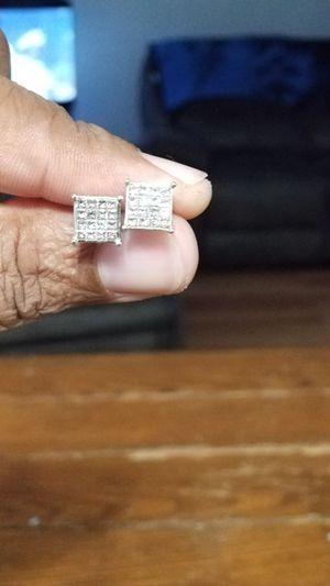 2 carrot diamond earrings for Sale in Ecorse, MI