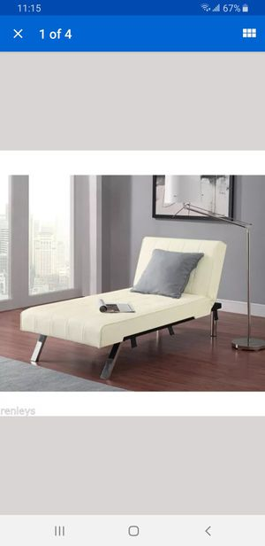 Chaise Futon for Sale in Lynwood, CA