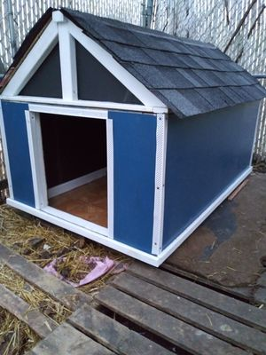 Large Insulated Dog. House for Sale in Philadelphia, PA