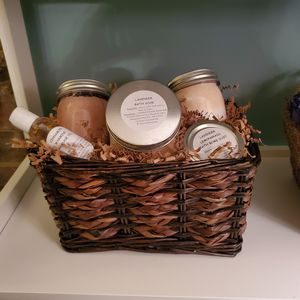 Bath & Beauty Basket for Sale in Strongsville, OH