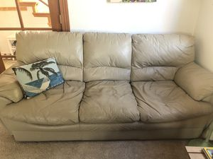 VERY NICE LEATHER COUCH for Sale in Woodway, WA