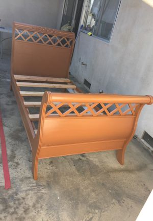 Twin bed solid wood for Sale in Modesto, CA