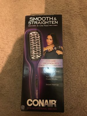 Brand new straightening brush in box never used for Sale in Arlington, VA