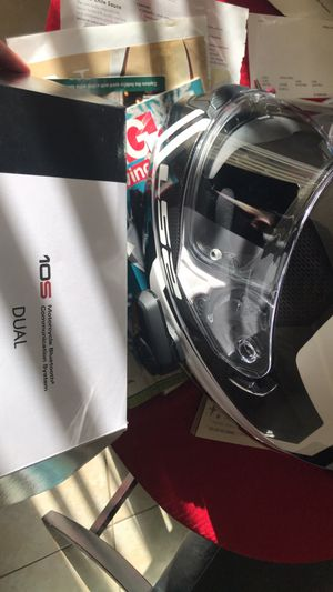 MOTORCYCLE HELMET with seña 10s Bluetooth for Sale in West Palm Beach, FL
