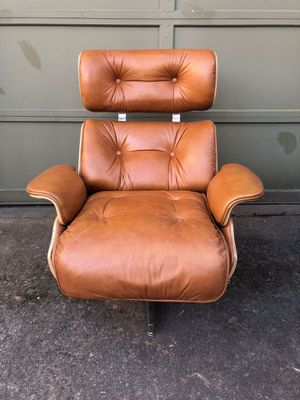 Eames Chair with footrest for Sale in Seattle, WA