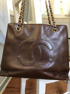 Gorgeous Vintage Chanel made in Italy brown leather shoulder bag logo for Sale in Pasadena, CA