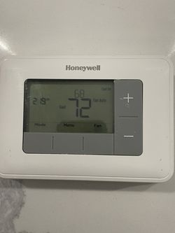 Honeywell Home Thermostat for Sale in Arlington,  VA