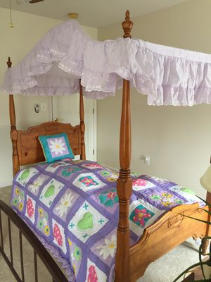 Twin Canopy Bed for Sale in Warrenton, VA