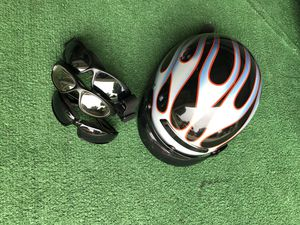 Motorcycle helmet barely used, motorcycle goggles.....everything looking like new....sold my motorcycle so I don't need them anymore.. for Sale in Round Rock, TX