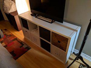 White dresser book shelf unit for Sale in Chicago, IL
