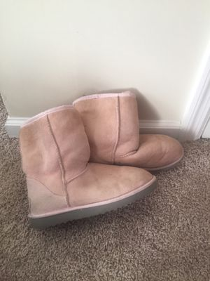 Ugg Boots - Classic Short Women Size 7 for Sale in Murfreesboro, TN