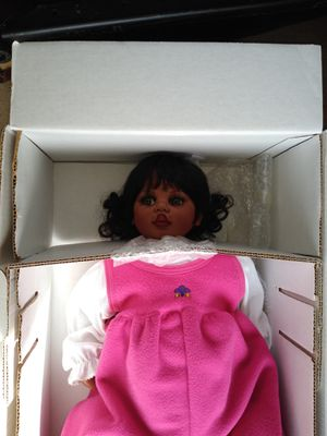 Collectible doll for Sale in Montgomery, IL