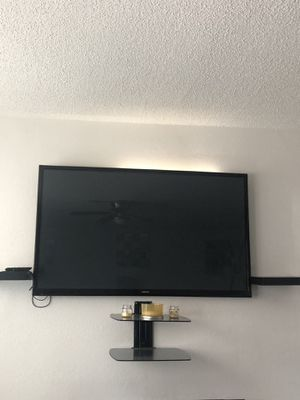 50 inch Samsung TV with shelves for Sale in Fort Lauderdale, FL