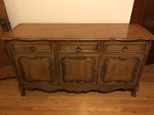 Antique Cabinet Excellent Condition for Sale in Chicago, IL