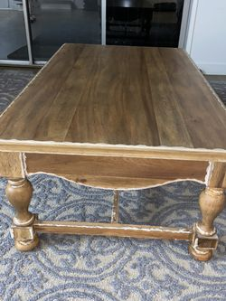 Wooden Coffee Table for Sale in Los Angeles,  CA