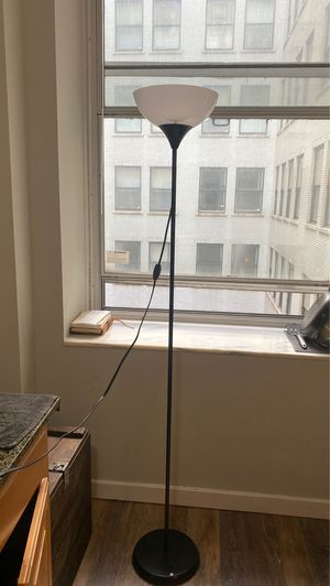 Black floor lamp - 6ft tall for Sale in Chicago, IL