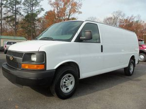 2007 Chevy express 2500 series for Sale in Kissimmee, FL