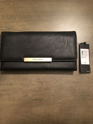 Tahari black wallet for Sale in Lakewood, WA
