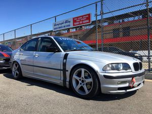 E46 328i manual transmission Radiator for Sale in Los Angeles, CA